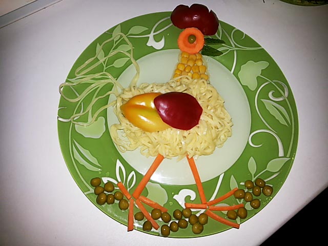 salat-petuchok-zolotoy-grebechok