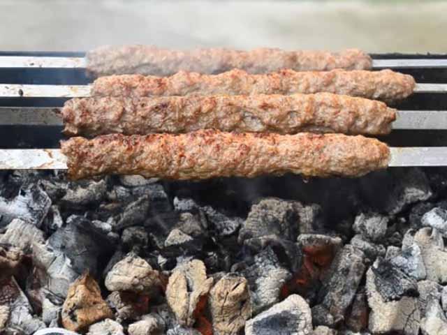 Люля-кебаб в домашних условиях на мангале из говядины 22