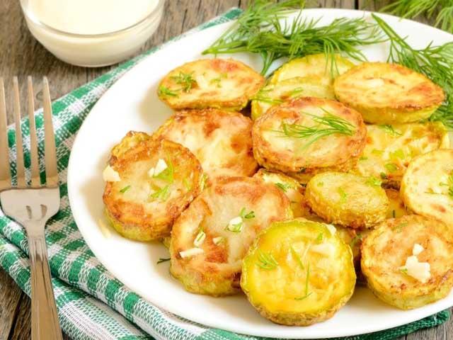 Жареные кабачки с чесноком и сыром рецепт с фото пошагово