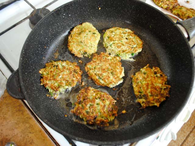 Рецепт с кабачковых оладьев с пошагово