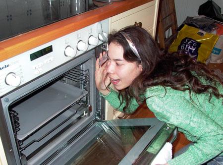 отмыть духовку