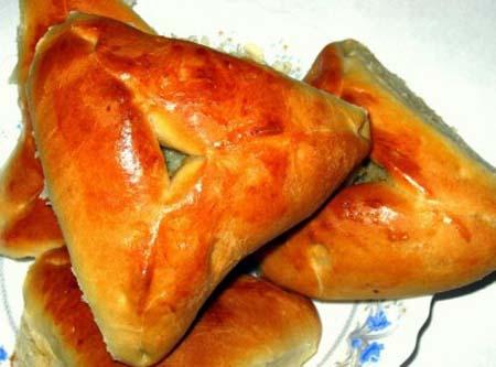 Эчпочмак по–татарски из дрожжевого теста с мясом и картошкой
