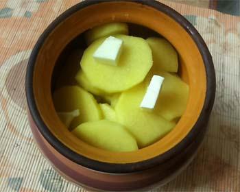 Картошка с маслом в горшочке