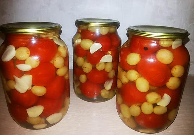 pomidory-s-vinogradom
