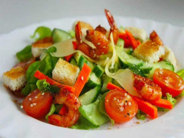 salat-sregiztmnomorskiy