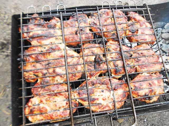 Рецепт Шашлык из филе бедра курицы. Калорийность, химический состав и пищевая ценность.