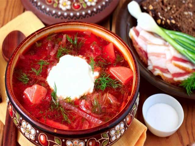 Украинский борщ с пампушками и чесноком рецепт с фото, приготовление борща украинского, как правильно варить борщ. Лучшие рецепты приготовления борщей.