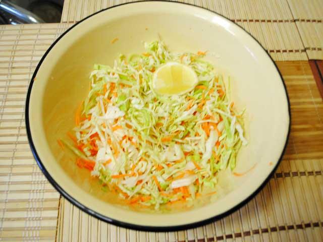 Быстрый рецепт салата из свежей капусты