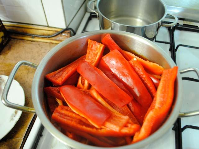 Салатные помидоры на зиму