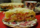 Яблочный пирог на сметане вкуснее шарлотки, а готовить легче