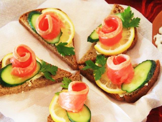 Готовим бутерброды на праздничный стол