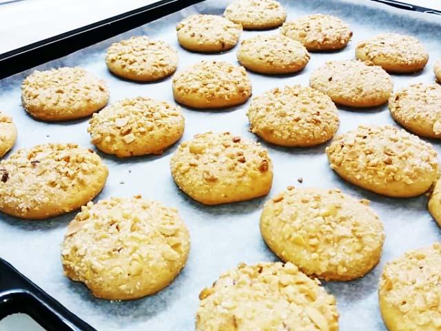 И мы предлагаем вам сделать знакомый многим с детства домашний десерт под названием «домик».
