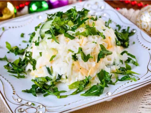 salat-s-daykonom
