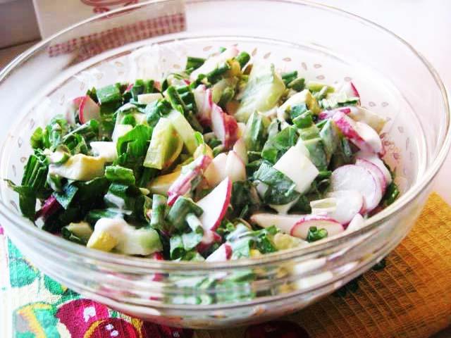 salat-v-tarelke