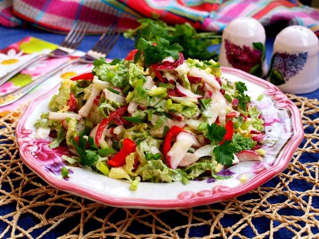 salat-s-redisom-i-pomidorami