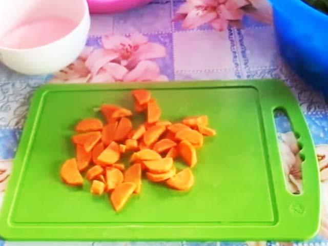 morkov--kysochkami
