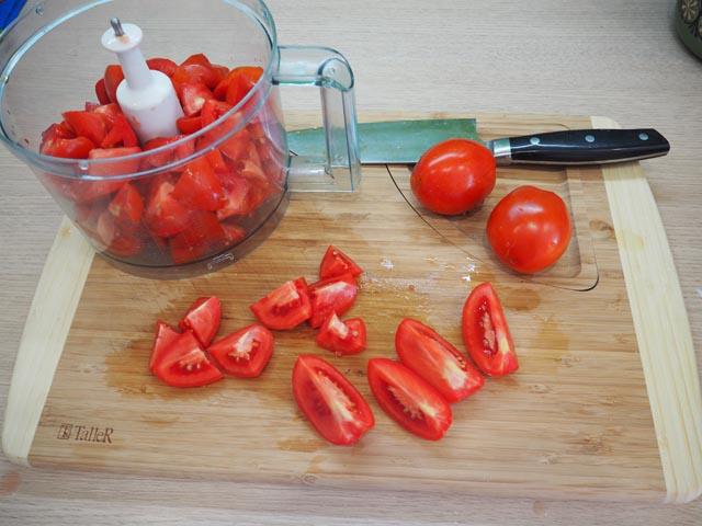 pomidory-narezannue
