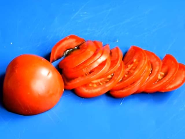 narezannyj-pomidor