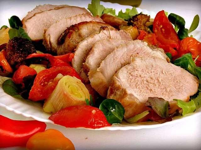 Свинина с овощами в духовке — простые и вкусные рецепты