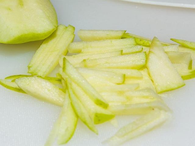 Салаты с ветчиной — 9 простых и вкусных рецептов на скорую руку