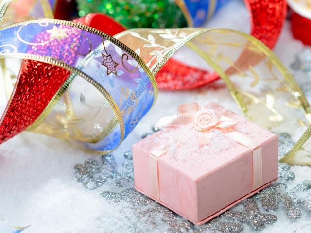 Новогодний конкурс комментариев на нашем канале Ютуб (с подарками)