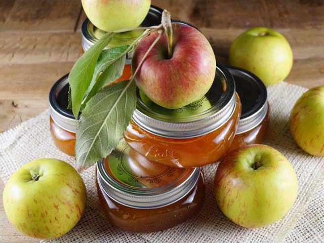 Прозрачное варенье дольками из яблок с апельсином