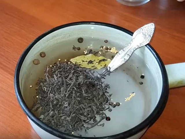Как посолить скумбрию в домашних условиях в рассоле