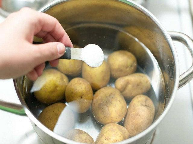 Что значит картошка в мундире
