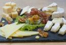 Сырная тарелка: как её правильно собрать и оформить в домашних условиях
