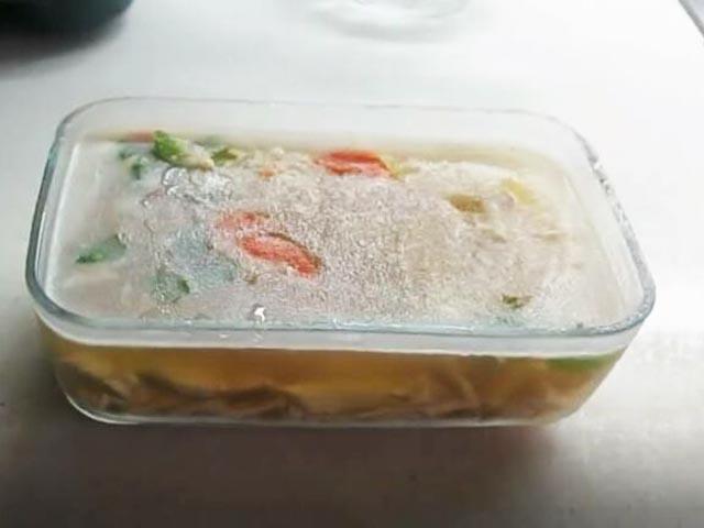 Как приготовить вкусный холодец из свиных ножек