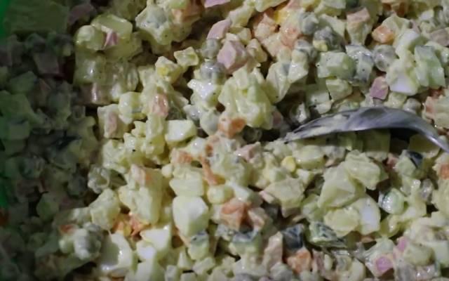 salat-zimniy-klassicheskiy-mayonez.jpg