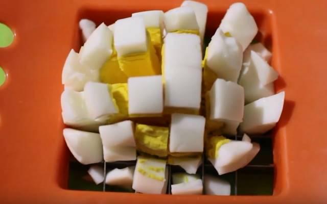 salat-zimniy-klassicheskiy-regem-yaica.jpg