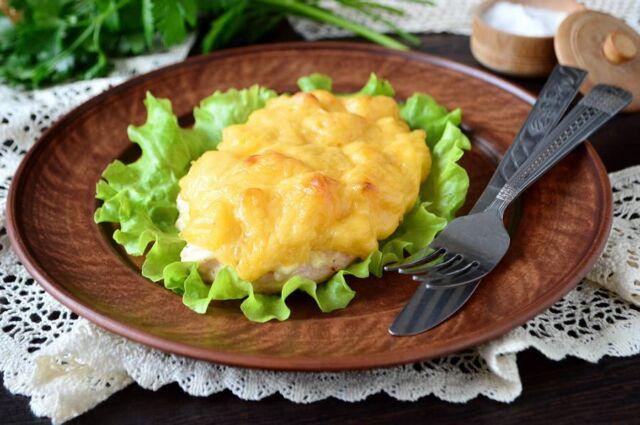Курица с ананасами, запеченная в духовке — самые вкусные пошаговые рецепты