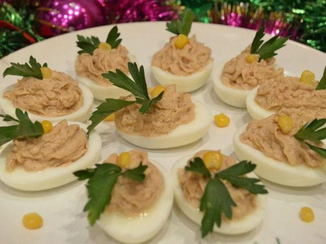Варианты фаршированных яиц