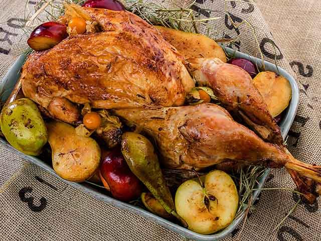 Индейка в духовке: рецепты приготовления сочной и мягкой индейки