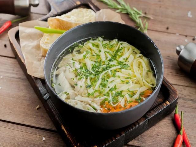 Суп лапша с курицей по-домашнему — 7 рецептов
