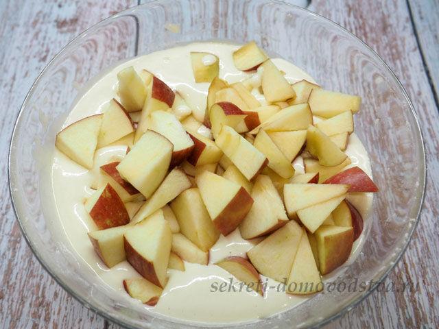 Шарлотка с яблоками — простой рецепт пирога